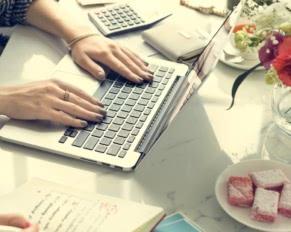 bankowość internetowa na laptopie