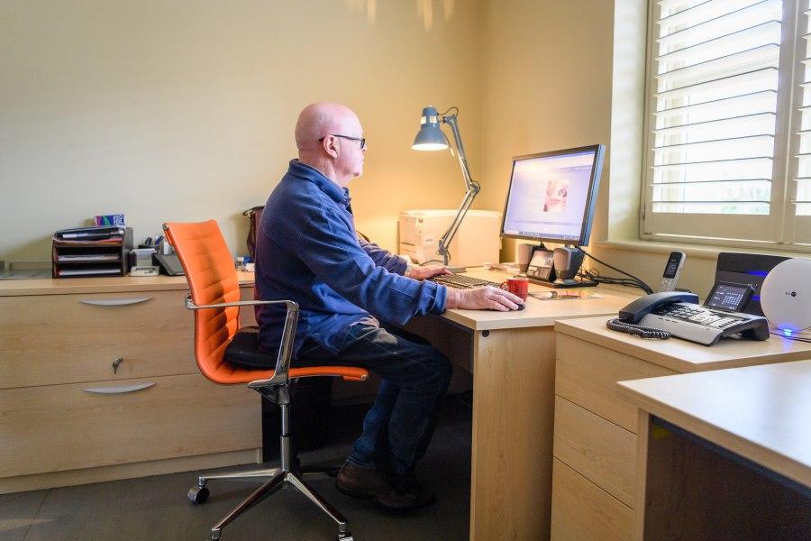 biurko komputerowe do domowego biura